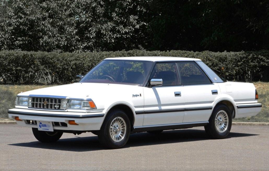 Toyota Crown S120 Royal Saloon hard top 1983-1987