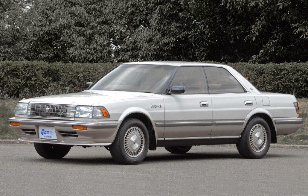 Toyota Crown S130 Royal Saloon hard top 1987-1991