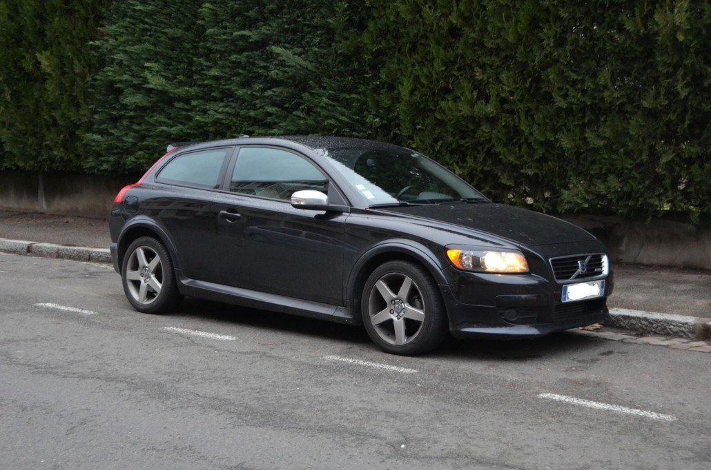 110 000 km en volvo c30 r design auto forever. Black Bedroom Furniture Sets. Home Design Ideas