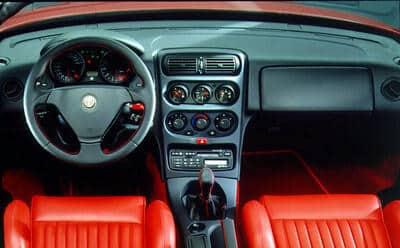 Alfa Romeo Spider 1995-1998 - planche de bord