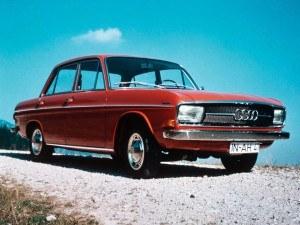 Audi 60 F103 1970-1972 4 portes vue AV - photo Audi