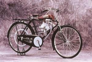 Moto Honda Model A 1947 - photo Honda Collection Hall