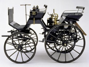 Daimler Motorized Carriage 1886 - photo Musée Mercedes-Benz