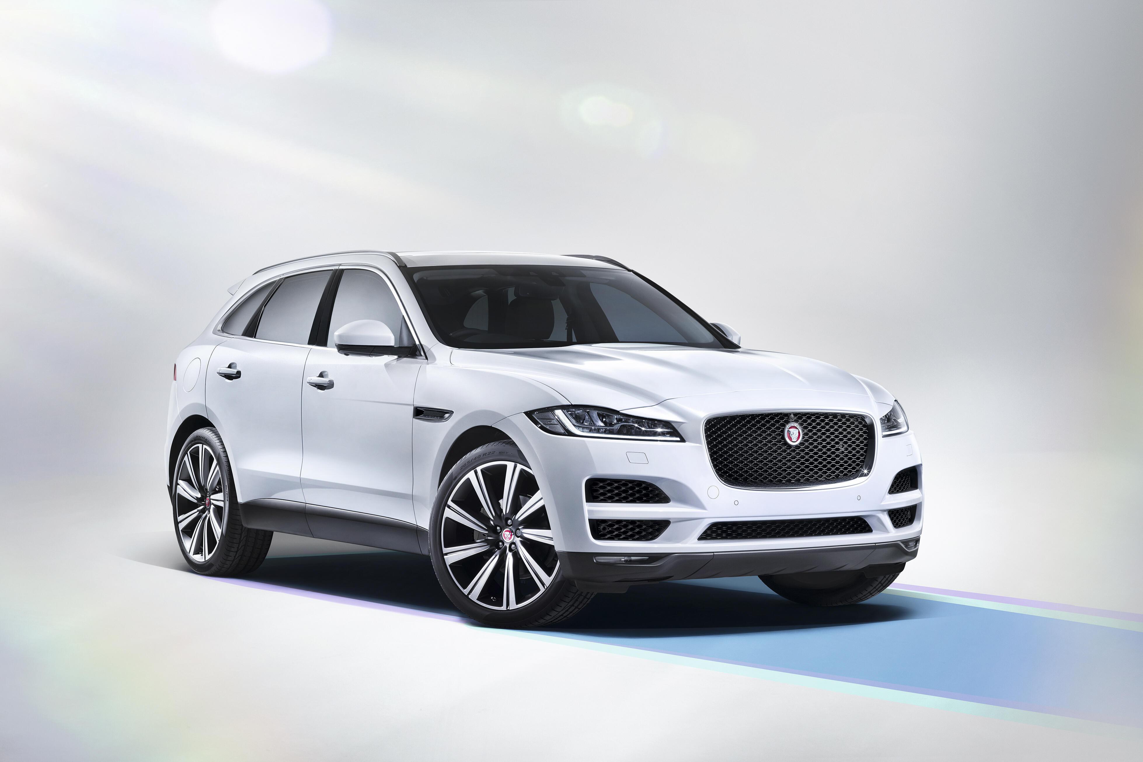 Jaguar F-Pace 2015 - photo Jaguar - Auto Forever