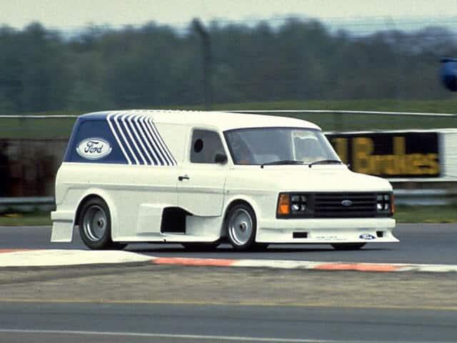 Ford Transit Supervan 1984 - photo Ford