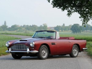 Aston Martin DB4 Convertible 1961-1963 - photo : Tim Scott/RM Auctions