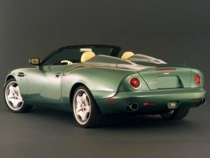 Aston Martin DB AR1 2003-2004 - photo Aston Martin