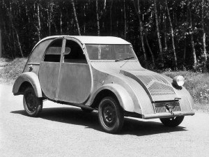 Citroën 2CV prototype 1939 - photo Citroën