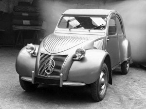 Citroën 2CV 1948 - photo Citroën