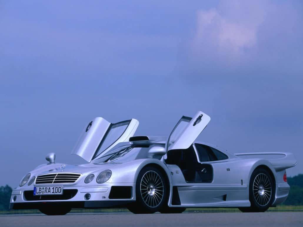CLK-GTR AMG 1998-1999 vue AV avec portes en élytre ouvertes - photo Mercedes-Benz