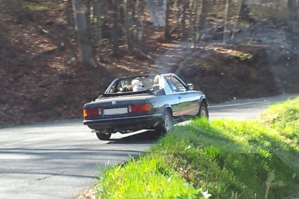 BMW 320i cabriolet Baur E30 en mouvement - photo Laurent P.