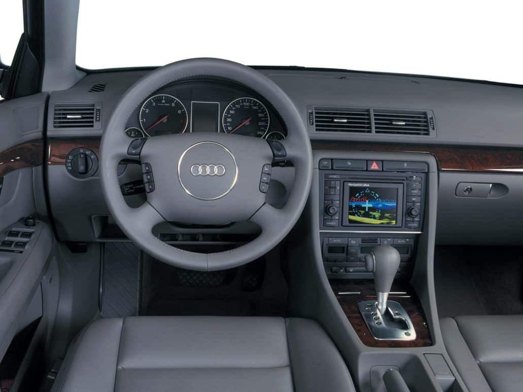 Fiche technique audi a4 b6 auto forever for Audi a4 break interieur