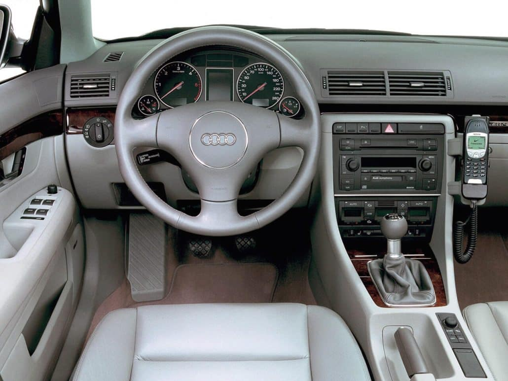 Fiche technique break a4 b6 avant auto forever for Interieur audi a4