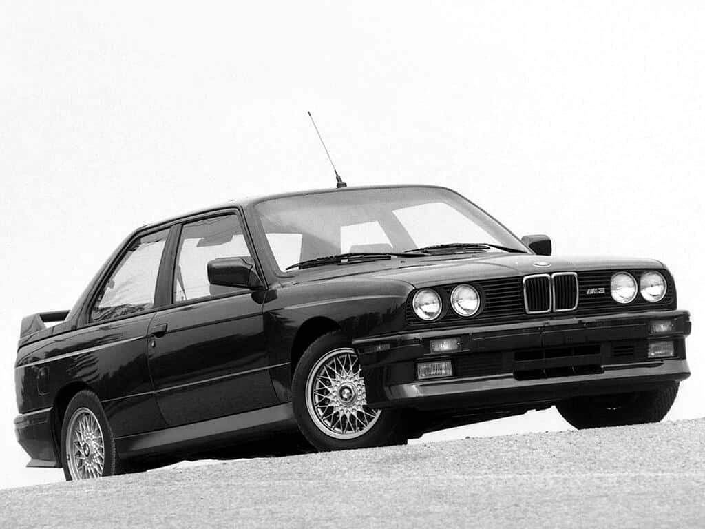 bmw serie 3 e30 histoire et fiche technique auto forever. Black Bedroom Furniture Sets. Home Design Ideas