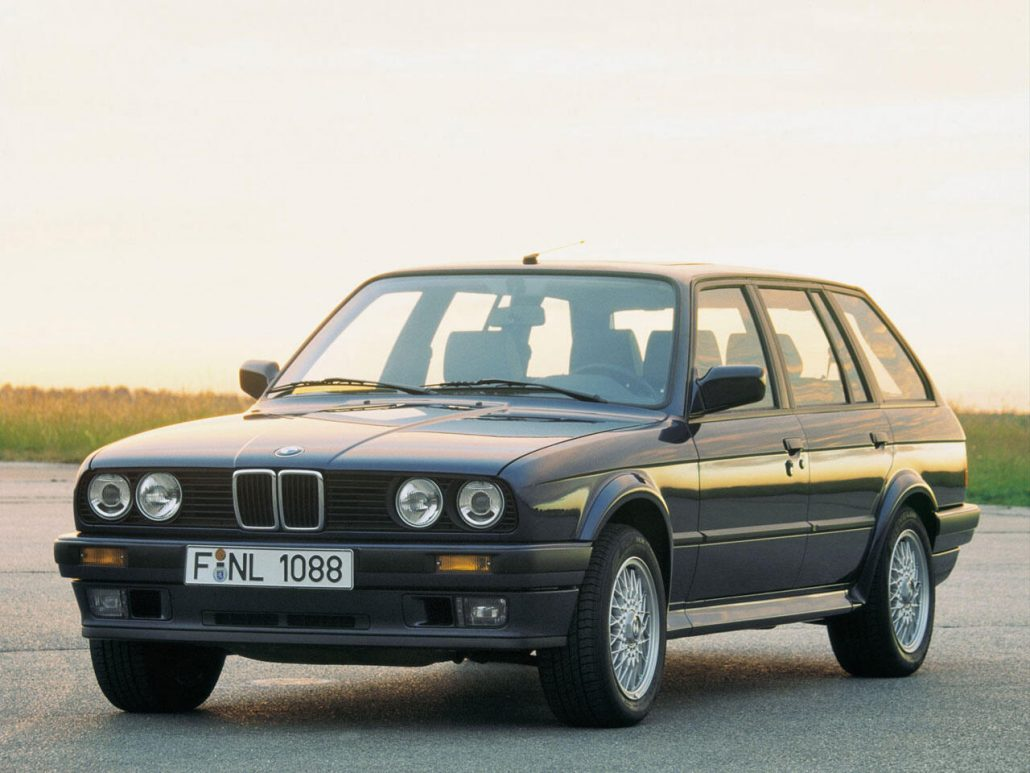 bmw s rie 3 e30 touring histoire et fiche technique. Black Bedroom Furniture Sets. Home Design Ideas