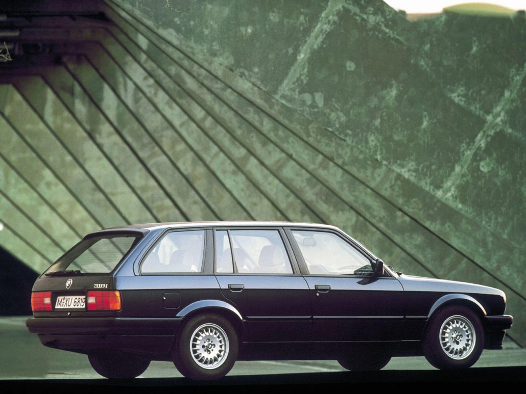 BMW Série 3 E30 Touring 1987-1994 vue AR - photo BMW