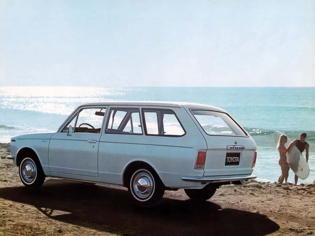 Toyota Corolla wagon 1966-1969 - photo Toyota