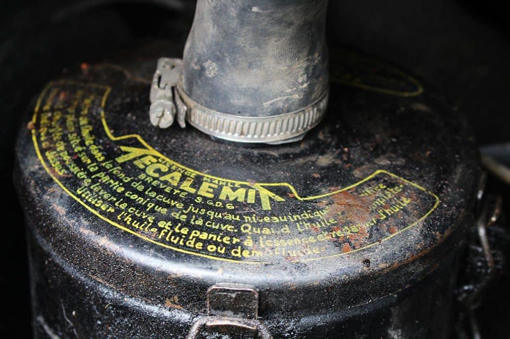 Boîte à air à bain d'huile Tecalemit du moteur de la Renault 4CV