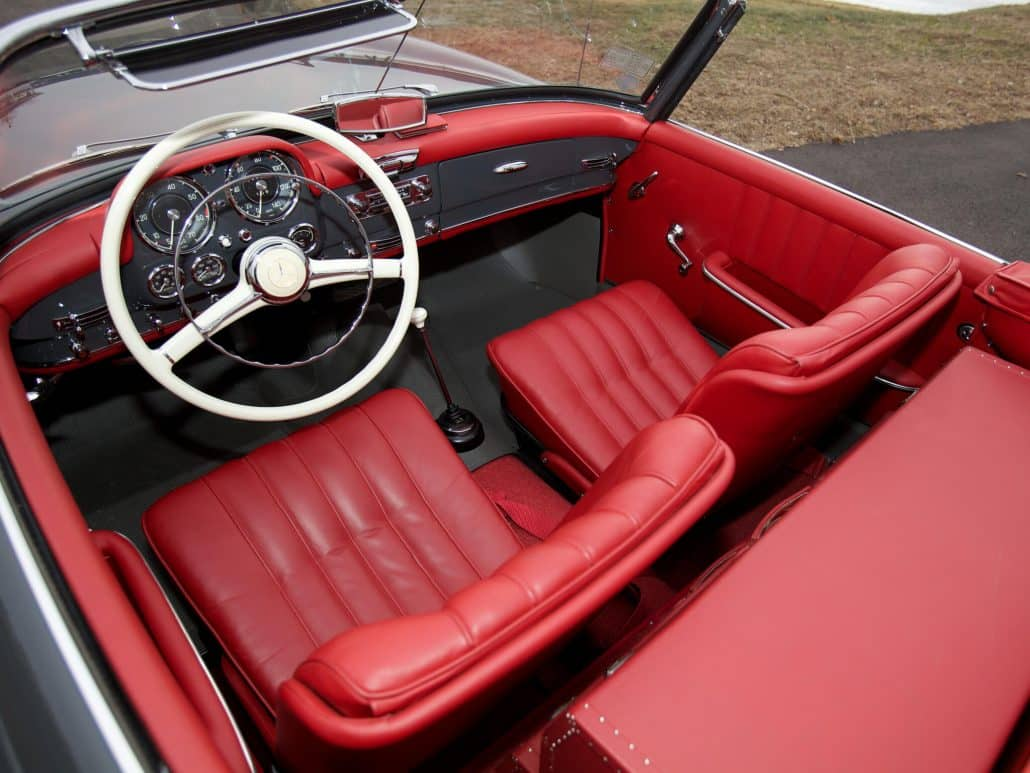 Mercedes benz 190 sl auto forever for Interieur mercedes 190