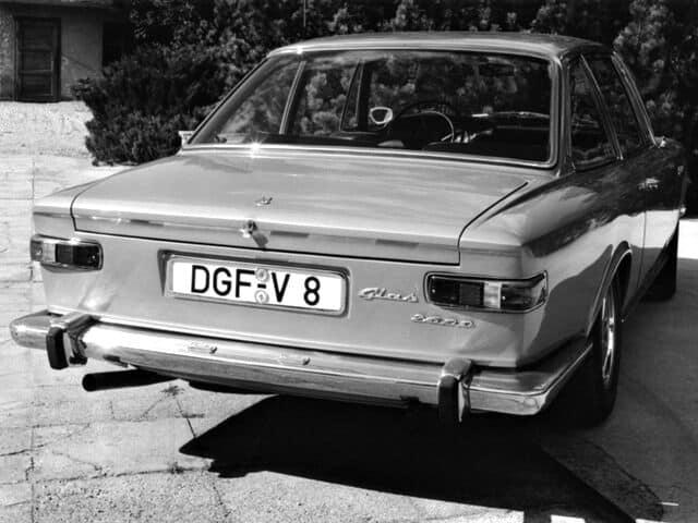 Glas 2600 V8 1965-1967 vue AR - photo Glas