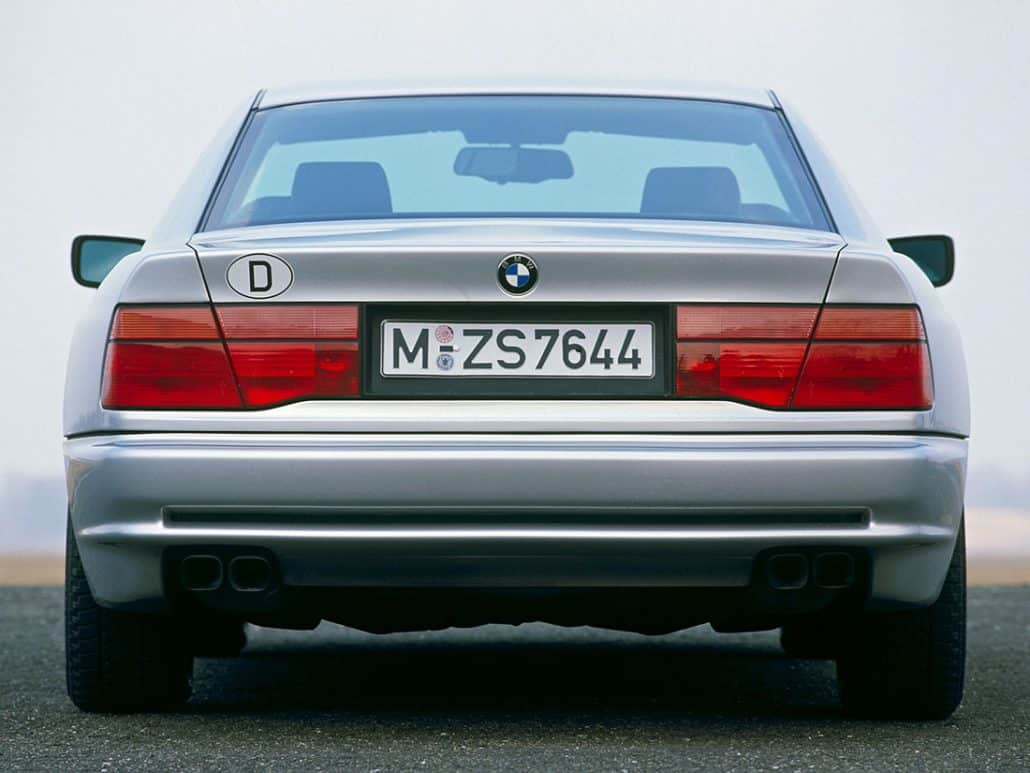 BMW 850i 1989-1992 face arrière - photo BMW