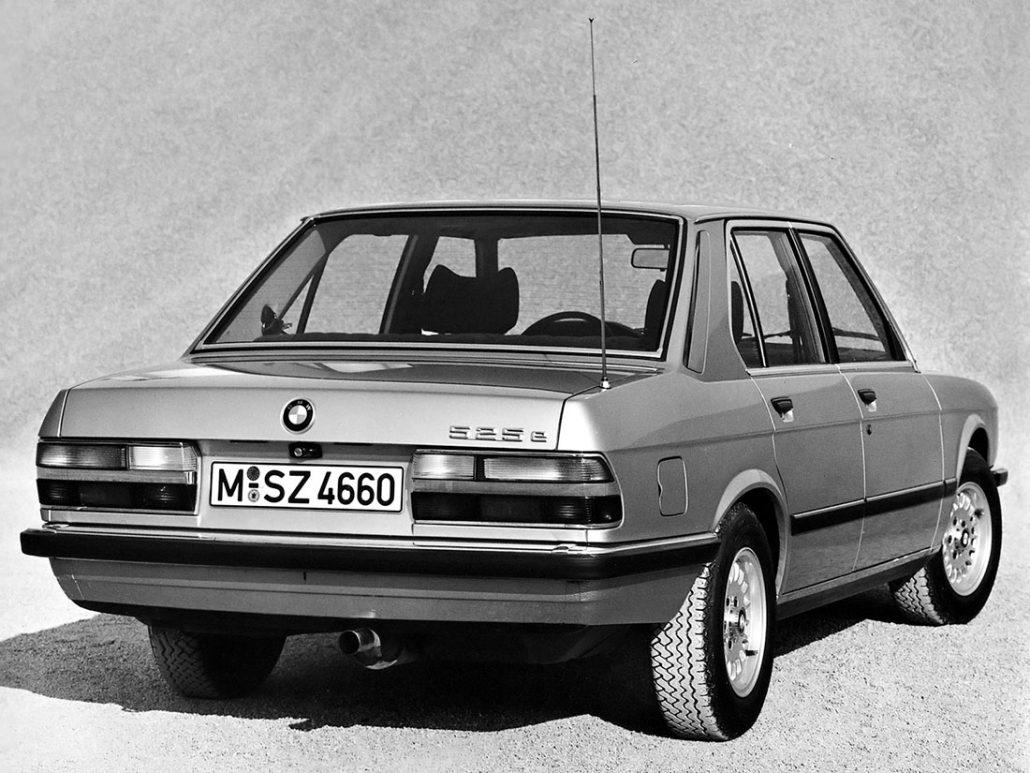 Bmw Srie 5 E28 Histoire Et Fiche Technique Auto Forever Series 525e 1983 1988 Vue Ar Photo