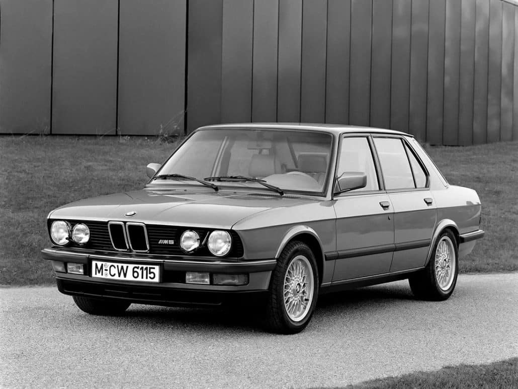 BMW M5 E28 1985-1988 vue AV - photo BMW
