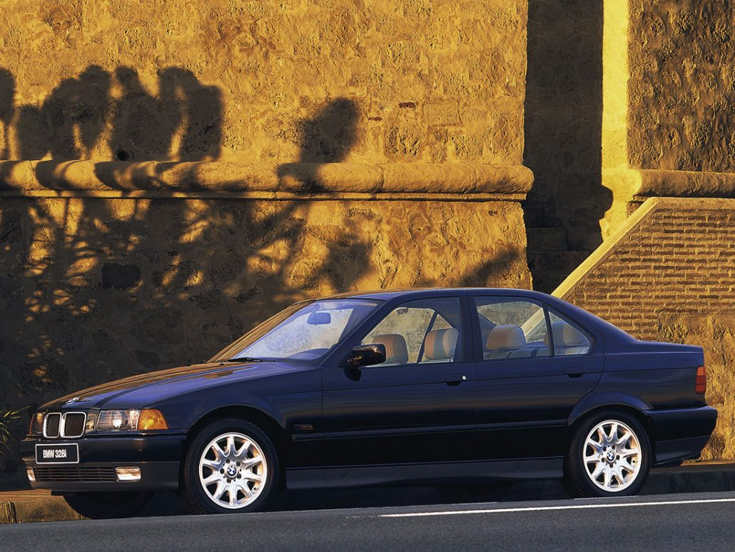 BMW Série 3 E36 1995-1996 vue AV - photo BMW