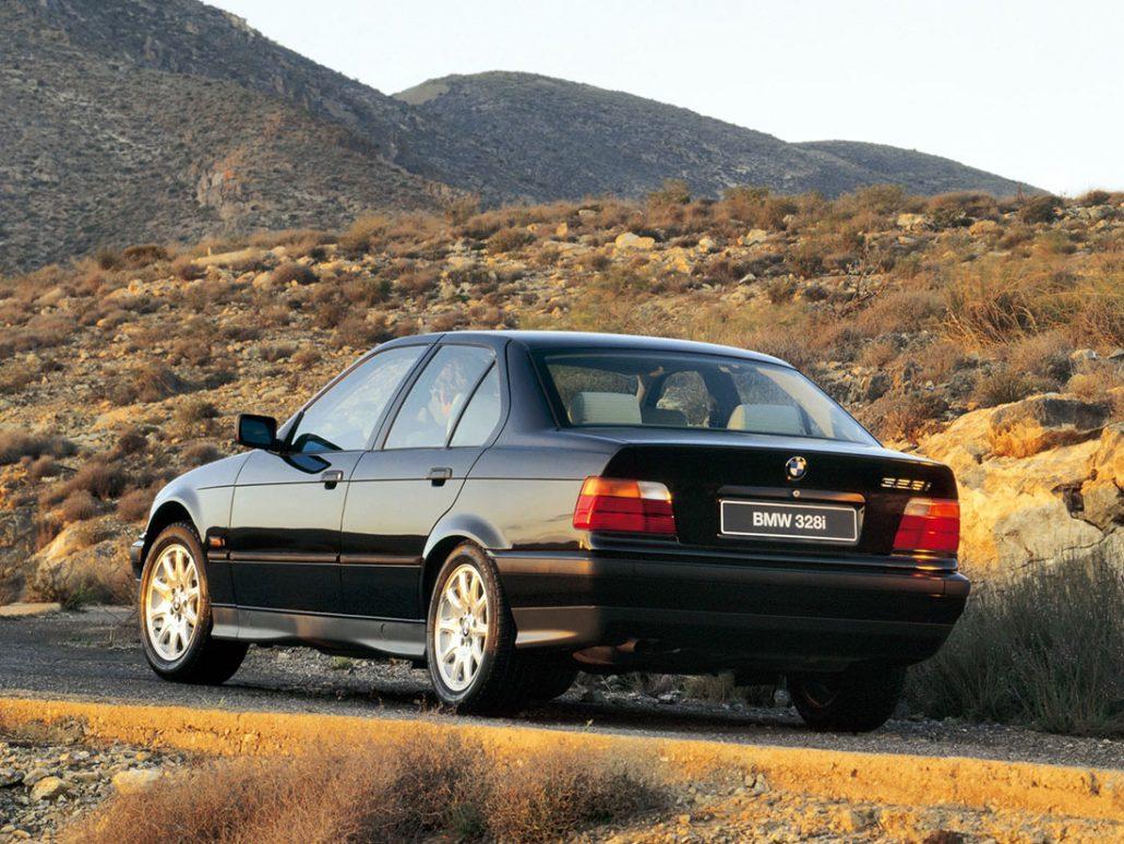 BMW Série 3 E36 1995-1996 vue AR - photo BMW