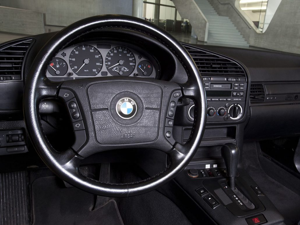 bmw e36 coup et m3 e36 histoire et fiche technique auto forever. Black Bedroom Furniture Sets. Home Design Ideas