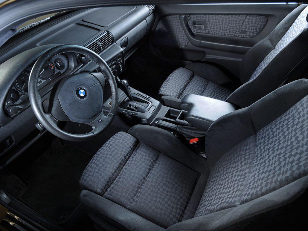 Bmw e36 compact histoire et fiche technique auto forever for Interieur 2000