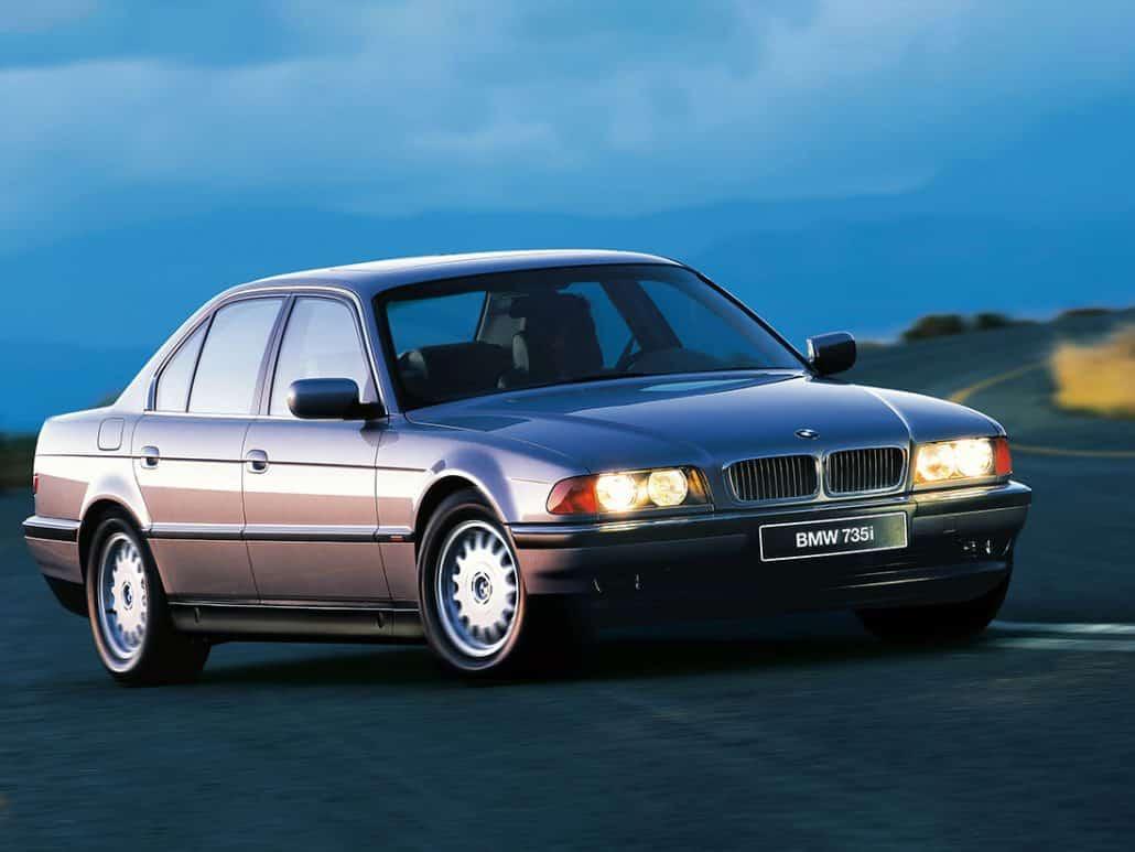 01_7-series-E38_1994-1998_1-1030x773