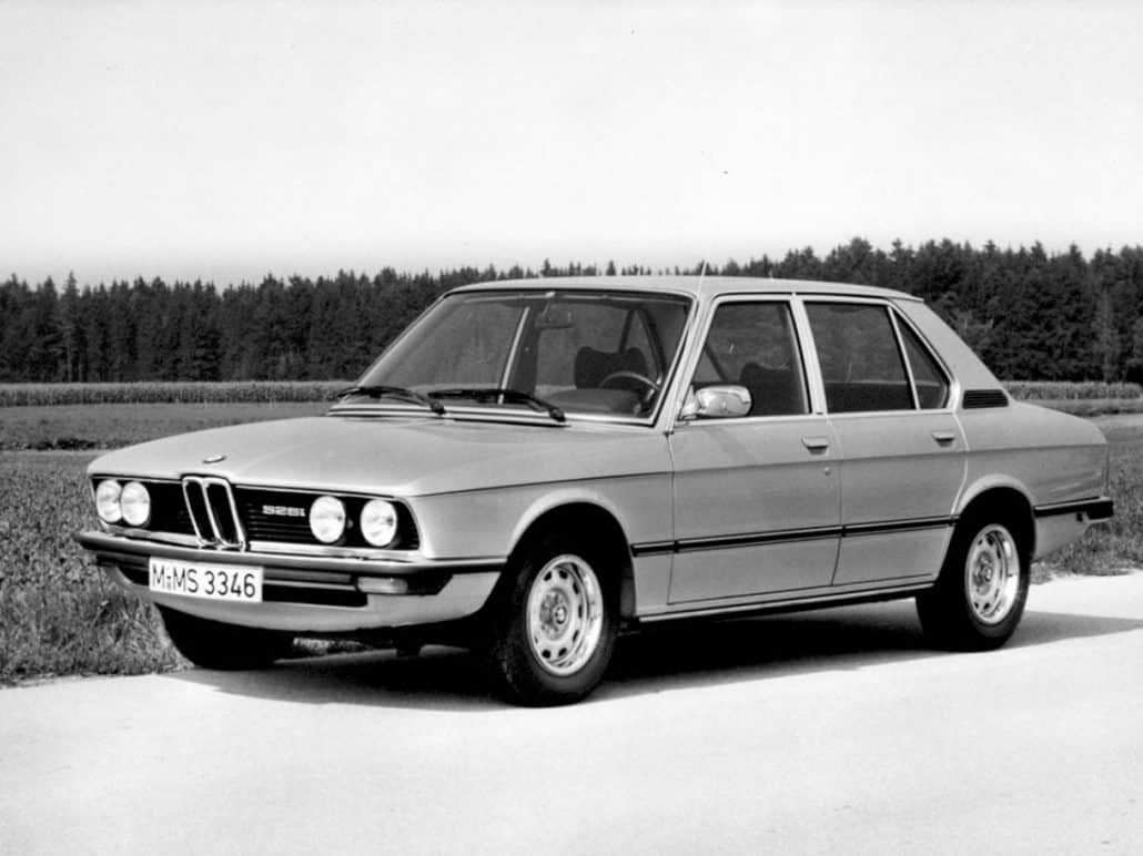 BMW Série 5 E12 528i 1977-1979 vue AV - photo BMW