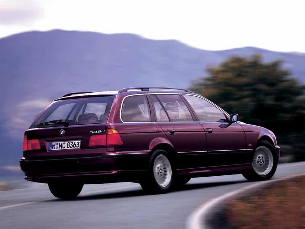 BMW Série 5 E39 Touring 1997-2000 vue AR - photo BMW