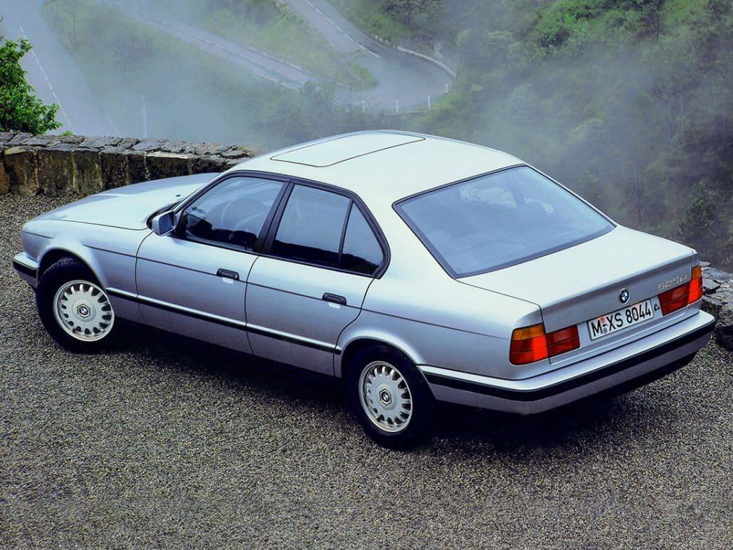 BMW Série 5 E34 1988-1994 vue AR - photo BMW
