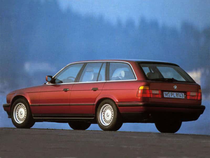 BMW Série 5 E34 Touring 1991-1996 vue AR - photo BMW