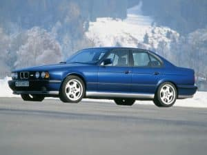 BMW M5 3.8 1992-1994 vue AV - photo BMW