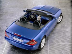 La SLK 200 Kompressor phase 2 lancée en janvier 2000, toit ouvert - photo Mercedes-Benz