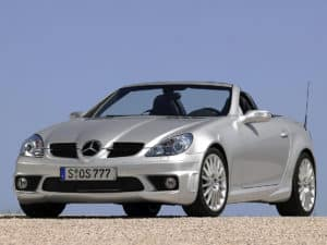 La sportive SLK 55 AMG à moteur V8 - vue AV - photo Mercedes-Benz