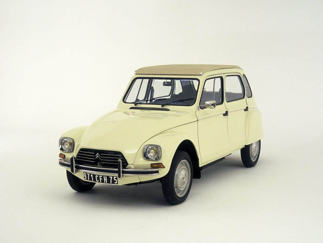 Citroën Dyane 1977-1982 vue AV - photo Citroën