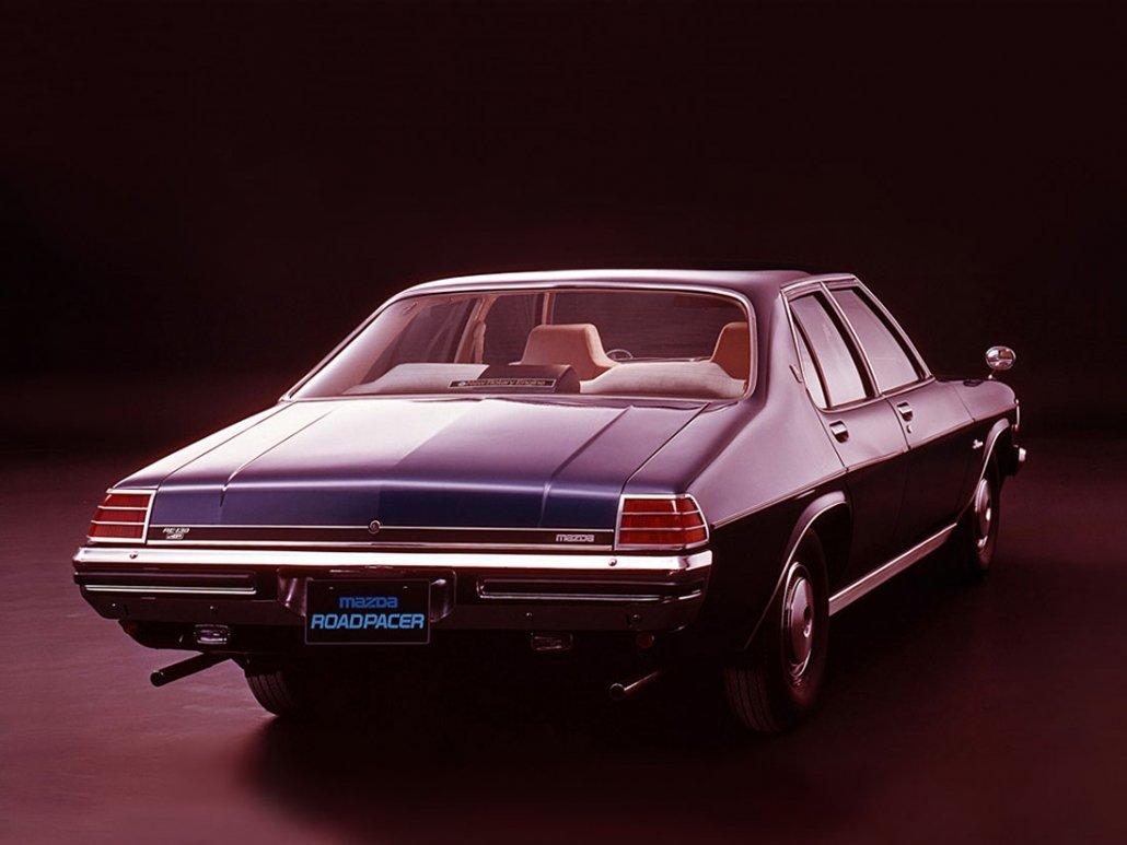 Mazda Roadpacer 1975-1979 - vue AR - photo Mazda