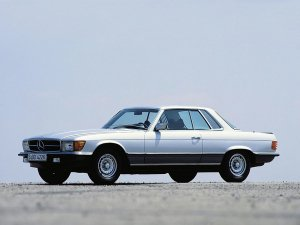 Mercedes-Benz 450 SLC 5.0 C107 1977-1980 vue AV - photo Archives Daimler