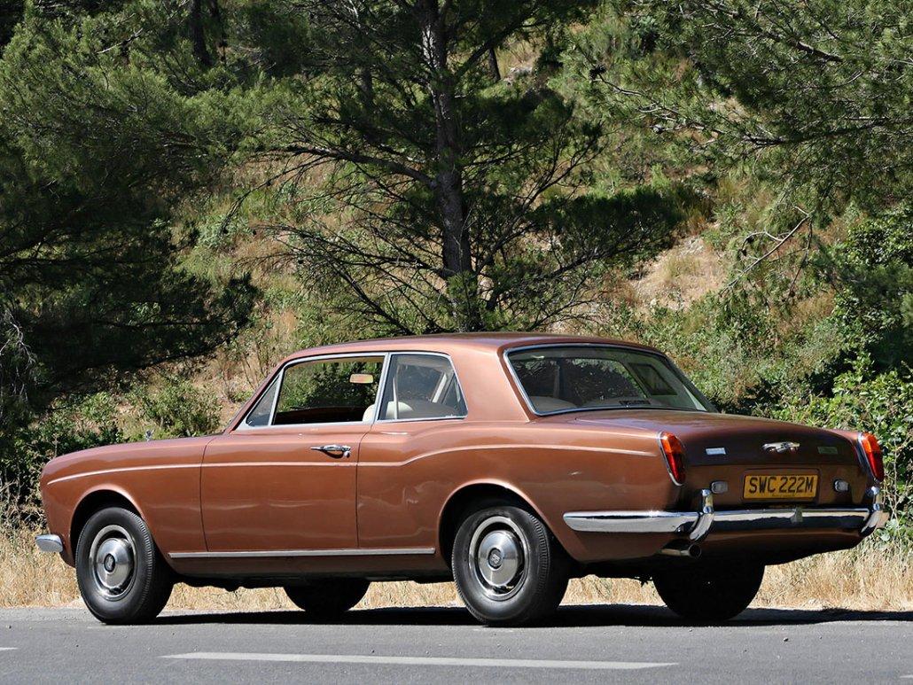 Rolls Royce Corniche Coupe 1971-1977 vue AR - photo auteur inconnu DR