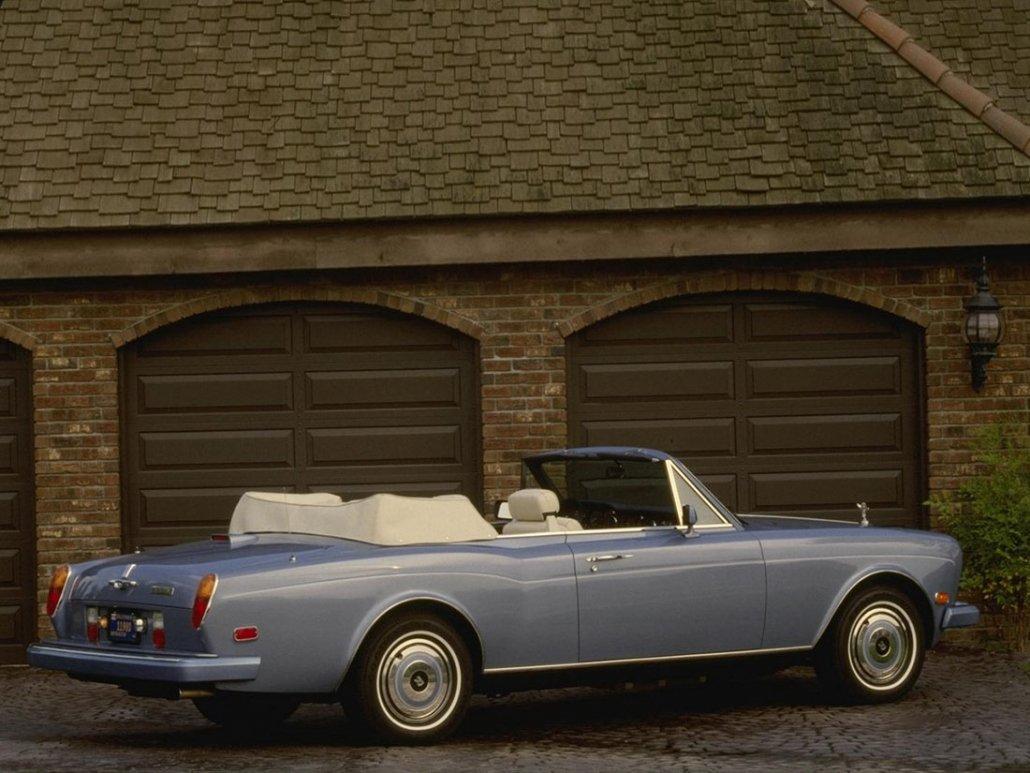 Rolls Royce Corniche II 1985-1989 US vue AR - photo Rolls Royce