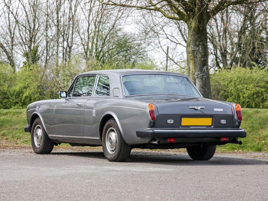 Bentley Corniche coupé 1977-1980 vue AR - photo : auteur inconnu DR
