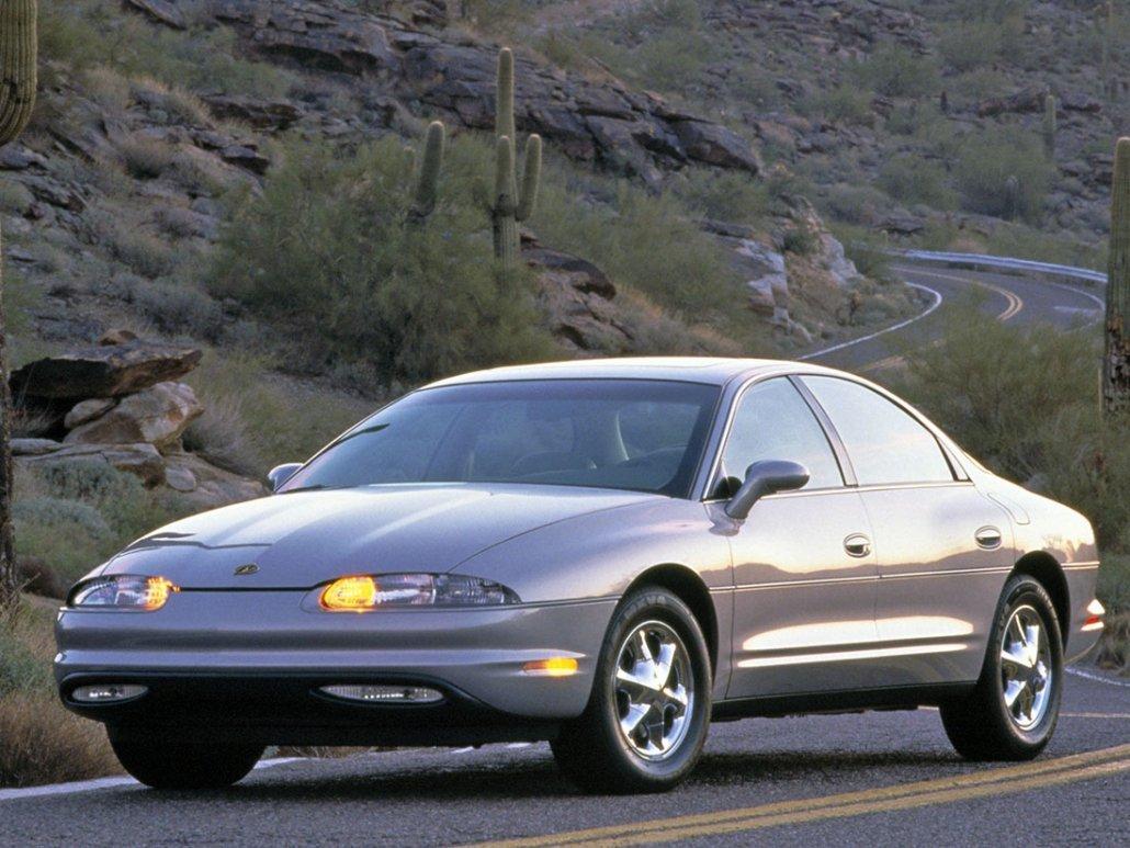 Oldsmobile Aurora 1994-1999 vue AV - photo Oldsmobile