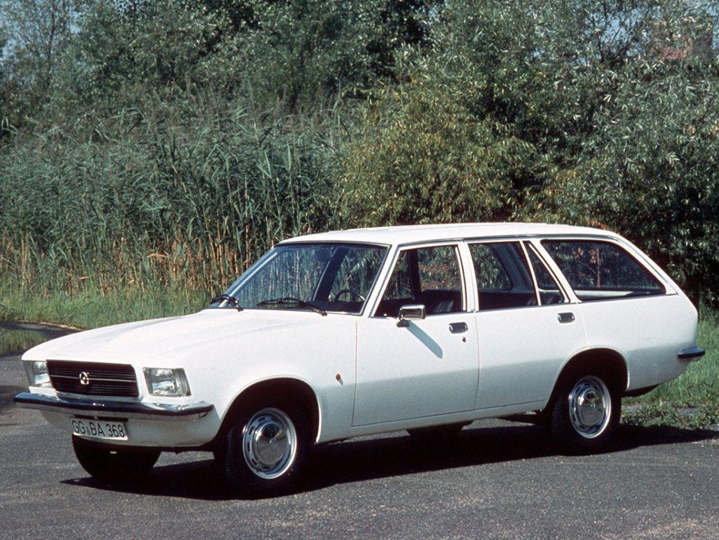 Opel Rekord D Caravan 5 portes 1972-1977 vue AV - photo Opel