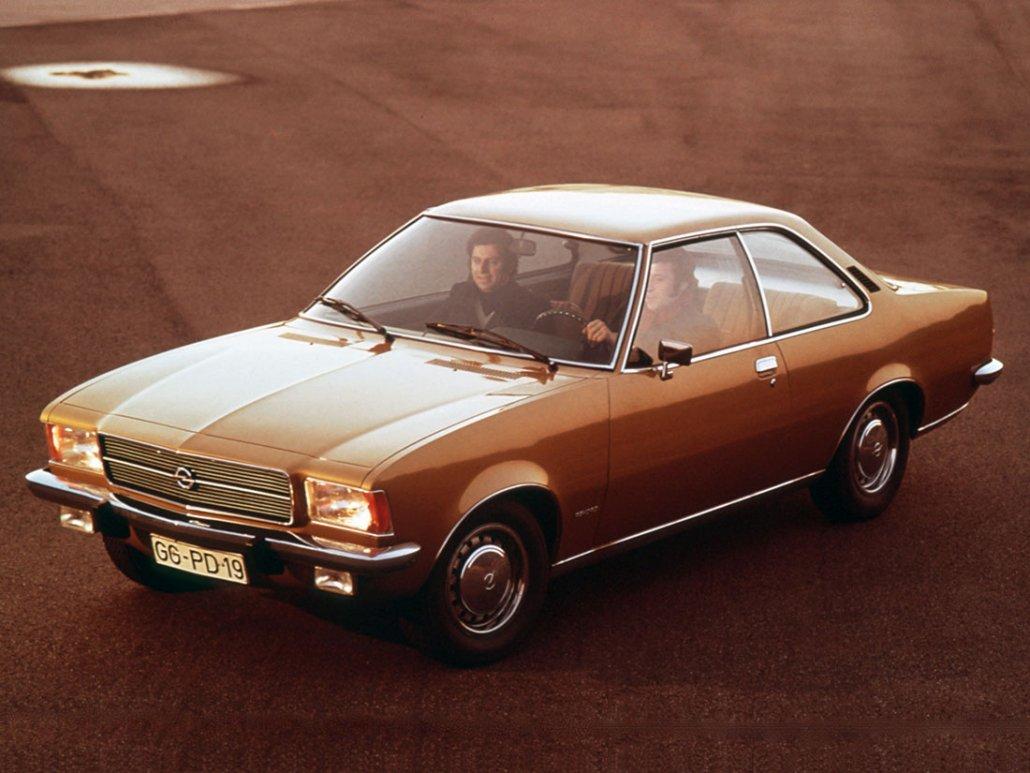 Opel Rekord D Coupé 1972-1977 vue AV - photo Opel