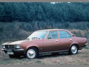 Opel Rekord D berline 4 portes L 1972-1977 vue AV - photo Opel