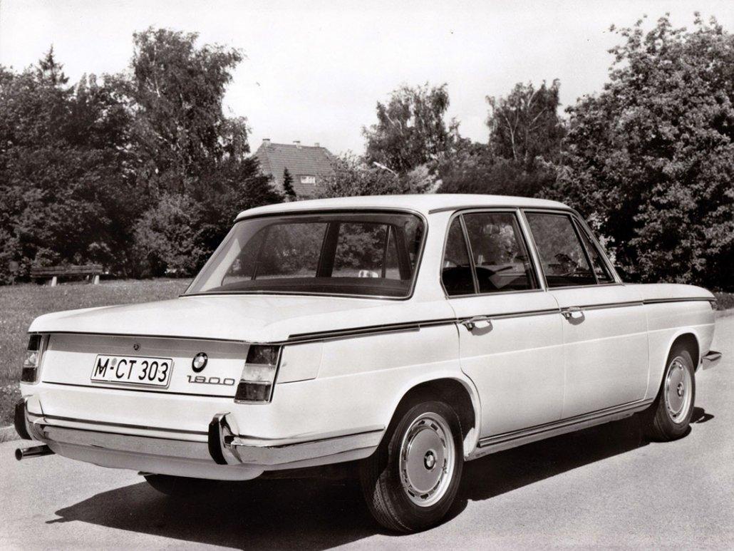 BMW 1800 1968-1970 vue AR - photo BMW